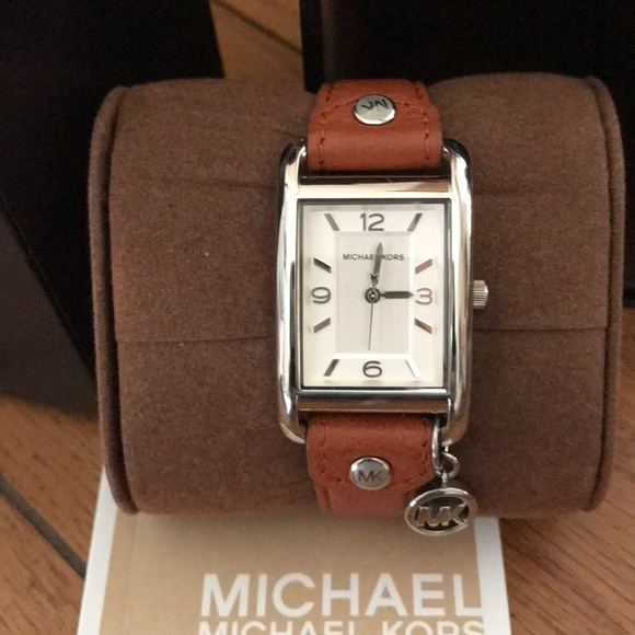 db36d1635 Authentic Michael Kors Watch 🌺🌺. M_5a95be54739d480665d1dc4b